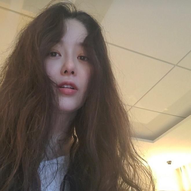Á hậu Hàn Quốc bị đối xử tệ bạc khi làm dâu gia tộc Samsung ra sao ở tuổi U50? - Ảnh 1.