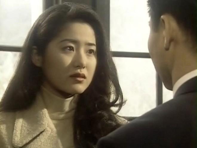 Á hậu Hàn Quốc bị đối xử tệ bạc khi làm dâu gia tộc Samsung ra sao ở tuổi U50? - Ảnh 2.