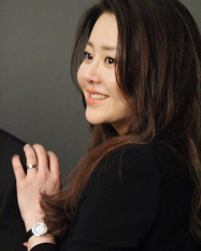 Á hậu Hàn Quốc bị đối xử tệ bạc khi làm dâu gia tộc Samsung ra sao ở tuổi U50? - Ảnh 7.