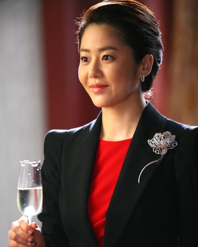 Á hậu Hàn Quốc bị đối xử tệ bạc khi làm dâu gia tộc Samsung ra sao ở tuổi U50? - Ảnh 8.