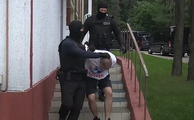 """Báo Nga: CIA là """"chủ mưu"""" chiến dịch bắt cóc 33 người Nga ở Belarus của an ninh Ukraine?"""