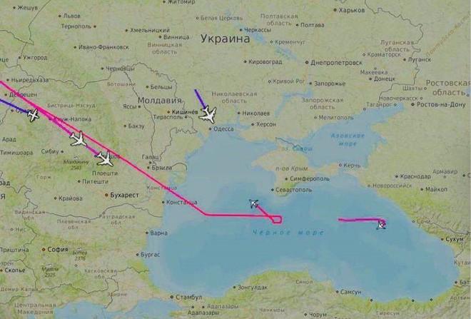 Mỹ-Anh đe dọa TT Putin ở Sochi: 3 chiếc Tu-160 Nga lập tức áp sát, London toát mồ hôi hột! - Ảnh 2.