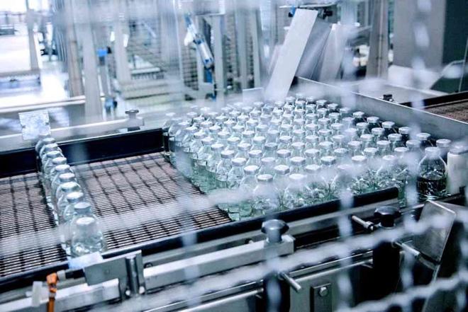 Bê bối của nhà máy vaccine ở Trung Quốc: Dùng hàng quá đát khiến 3.245 người nhiễm bệnh! - Ảnh 1.