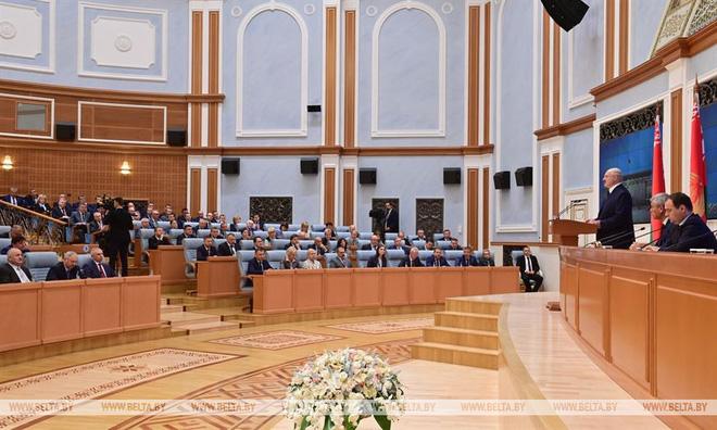 TT Lukashenko cáo buộc Mỹ và các vệ tinh gây bất ổn ở Belarus, vạch trần kế hoạch 10 năm - Ảnh 1.