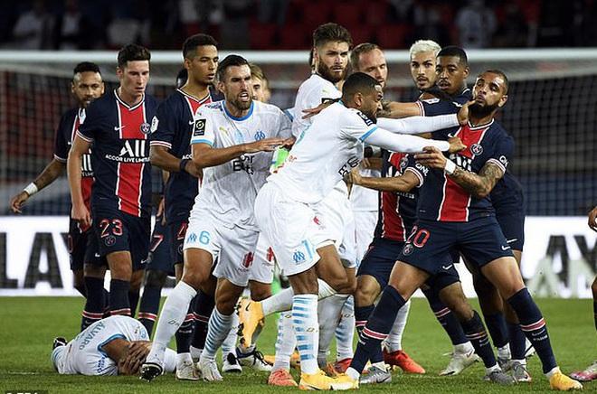 Neymar bị treo giò 2 trận, chờ thêm án vì phát ngôn kỳ thị giới tính - Ảnh 2.
