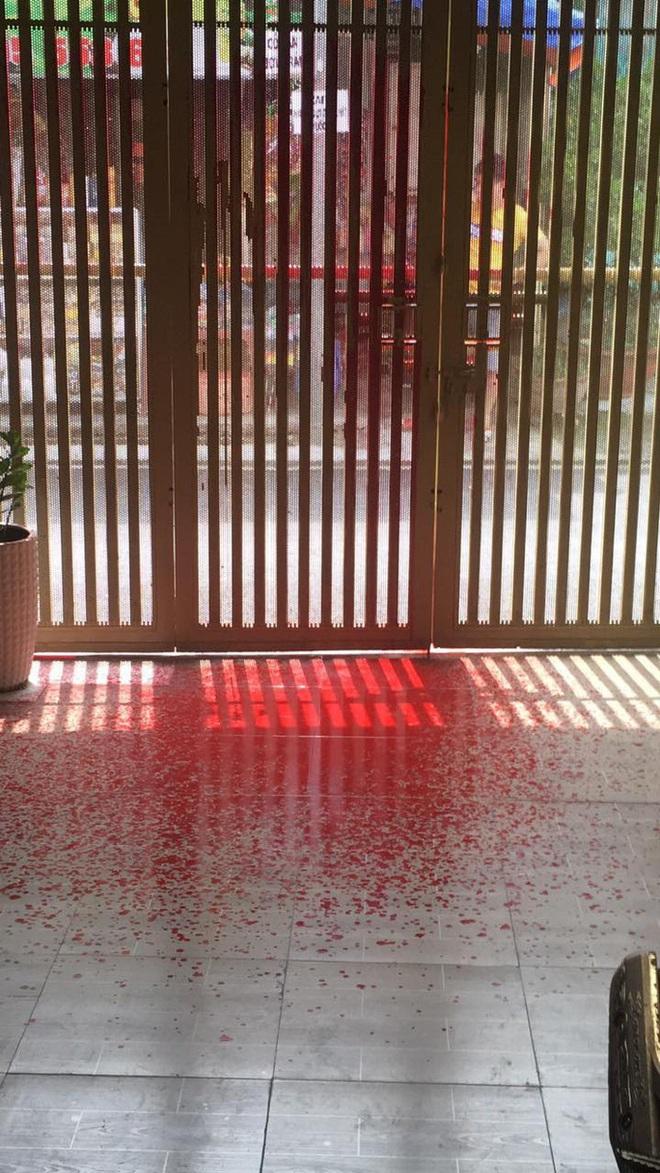 Một nữ giám đốc ở quận Tân Bình bị doạ tạt axit nên cầu cứu công an - Ảnh 3.