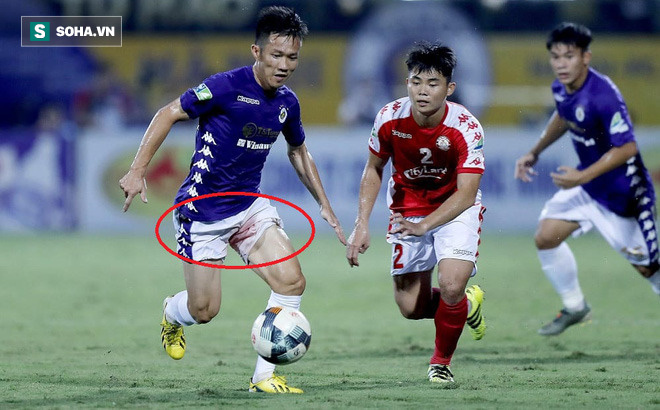 Hi hữu: Lão tướng của Hà Nội FC phải rời sân vì lý do dở khóc dở cười