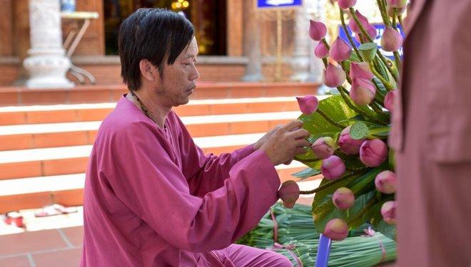 Hoài Linh gọi Lý Hải bằng anh và sự thật khiến toàn bộ khán giả ngỡ ngàng - Ảnh 5.