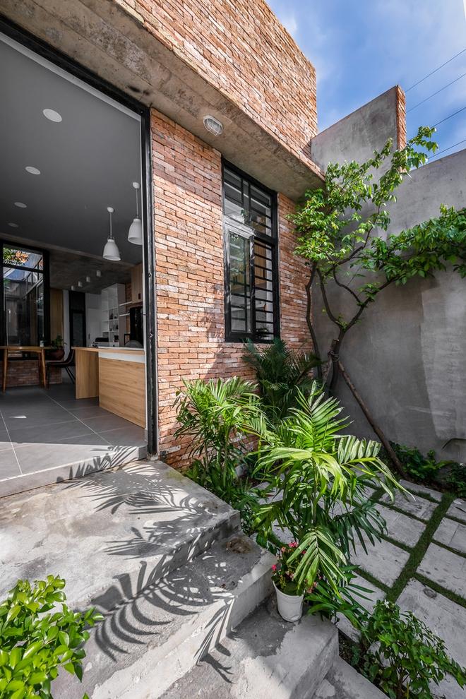 Độc đáo căn nhà gia chủ không tiếp khách, bếp trở thành khu vực trung tâm - Ảnh 9.