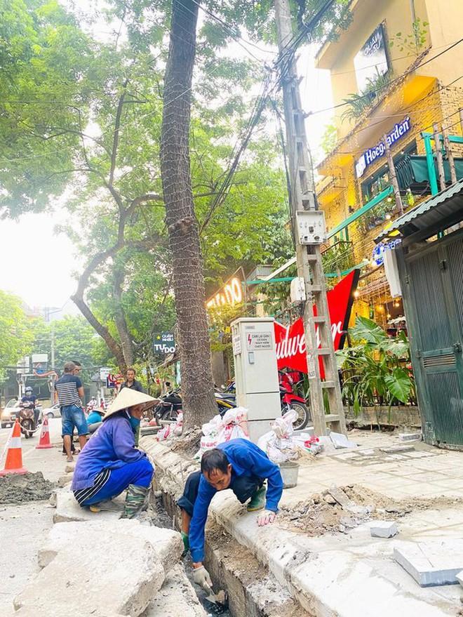 Tổng kiểm tra lát đá vỉa hè trên địa bàn Hà Nội - Ảnh 1.