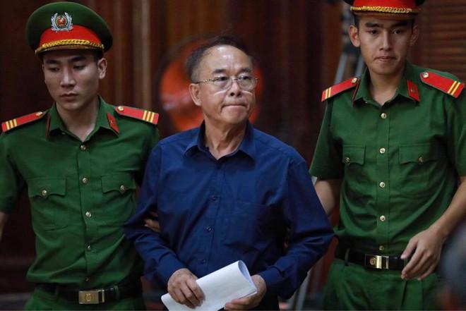 Người tình của ông Nguyễn Thành Tài nghẹn ngào tại tòa: Tôi luôn tự hỏi vì sao mình ra nông nỗi này? - Ảnh 1.