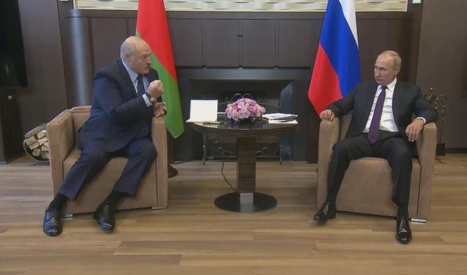 Căng thẳng tột độ: Belarus đóng biên với Ukraine, Ba Lan; rộ tin ông Lukashenko bí mật gửi con đến Moskva - Ảnh 2.