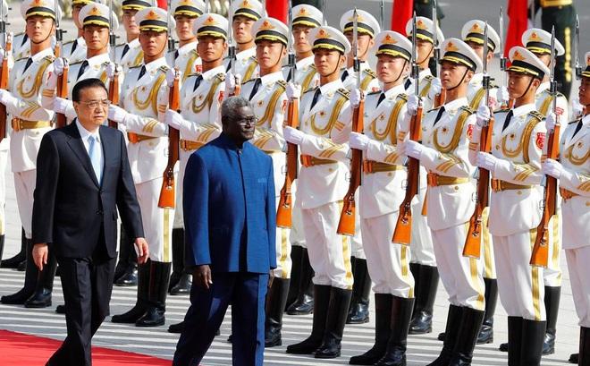 """Đảo quốc rúng động vì chuyến bay hồi hương """"toàn người Trung Quốc"""": Một tỉnh phẫn nộ đòi ly khai"""