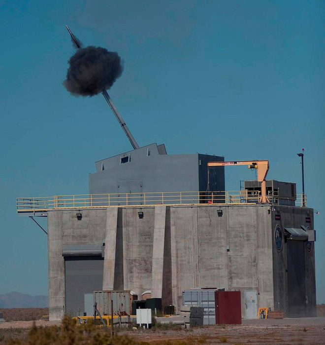 Khu trục hạm tàng hình Zumwalt của hải quân Mỹ sống lại nhờ đạn siêu tốc - ảnh 1