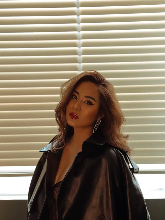Nữ ca sĩ vừa hát 1 bài đã khiến Hoài Linh nhận làm con nuôi nóng bỏng đến đâu? - Ảnh 4.