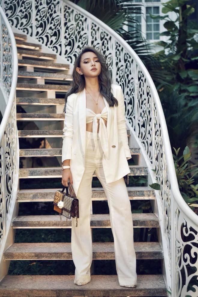 Châu Bùi: Từ người mẫu nấm lùn, nặng 39kg đến mỹ nhân nóng bỏng của làng mốt - Ảnh 9.