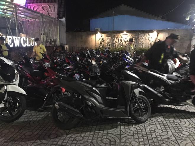 Hơn 100 nam nữ mở tiệc ma túy trong quán bar New Club - Ảnh 1.