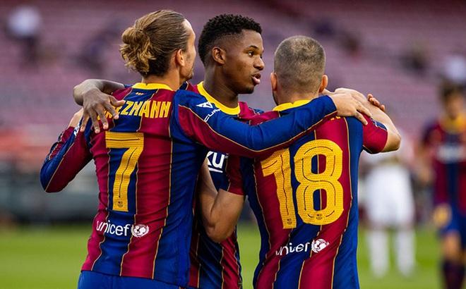 """Barca lại """"bán thuốc ngủ"""" trong ngày Messi vô duyên đến lạ"""