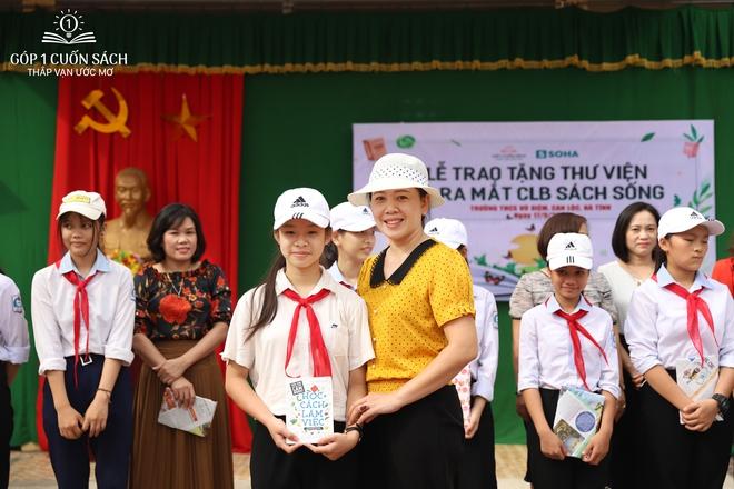 Trao tặng sách trên quê hương danh nhân văn hóa Vũ Diệm - Ảnh 13.