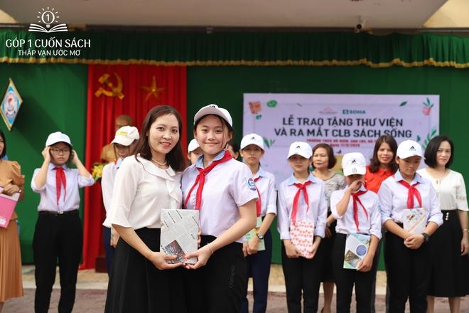Trao tặng sách trên quê hương danh nhân văn hóa Vũ Diệm - Ảnh 16.