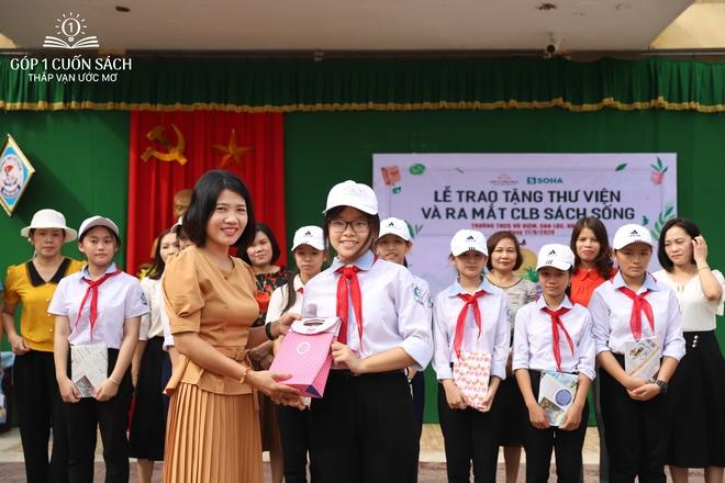Trao tặng sách trên quê hương danh nhân văn hóa Vũ Diệm - Ảnh 15.