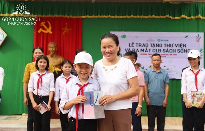 Trao tặng sách trên quê hương danh nhân văn hóa Vũ Diệm - Ảnh 14.