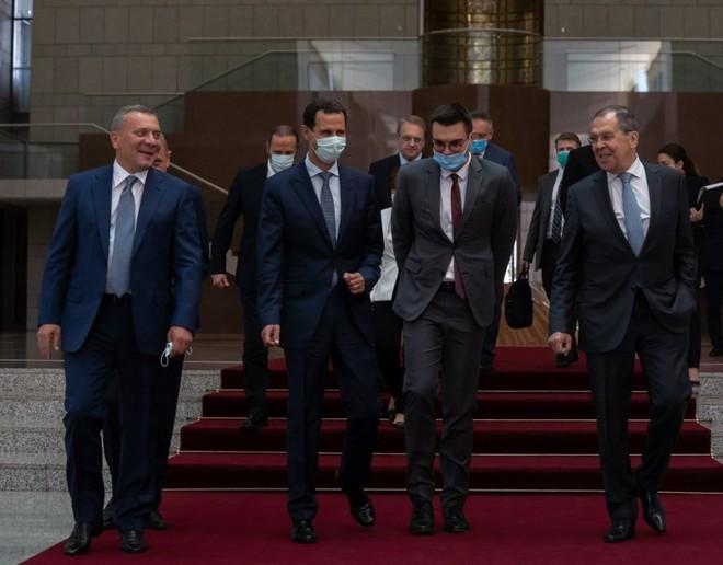 Báo Anh: Đồng minh khuyên Mỹ hạ mình qua cửa Nga nếu muốn thoát khỏi tử địa Syria? - Ảnh 6.