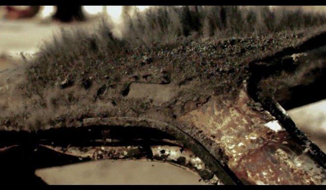 Quân đội TQ tung video tuyên truyền ném bom đánh sập căn cứ Mỹ: Chuyên gia phát hiện điểm lạ - Ảnh 1.