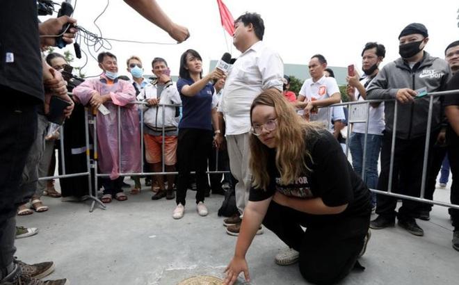 Biểu tình lớn chống hoàng gia Thái Lan