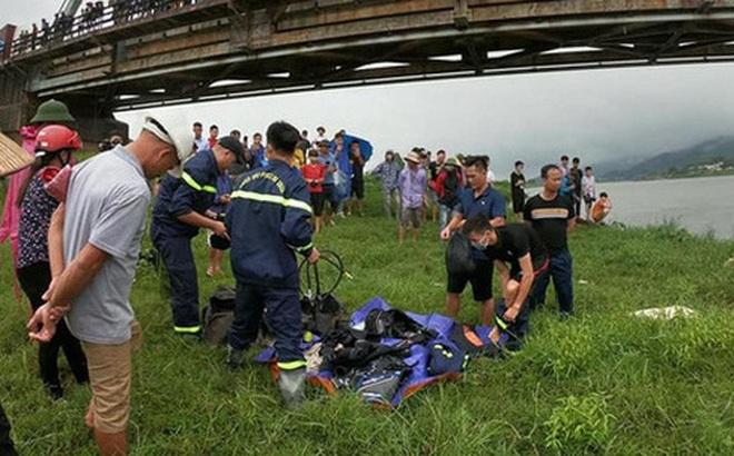 Vụ tài xế tử vong khi nhảy xuống sông cứu cô gái: Bố mới mất, mẹ nhận tin dữ liên tục khóc ngất
