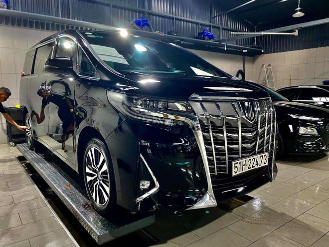 Rộ tin Nguyễn Quốc Cường bán Toyota Alphard: Xe lăn bánh 10 tháng, ODO gây ngạc nhiên - Ảnh 2.