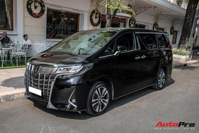 Rộ tin Nguyễn Quốc Cường bán Toyota Alphard: Xe lăn bánh 10 tháng, ODO gây ngạc nhiên - Ảnh 3.