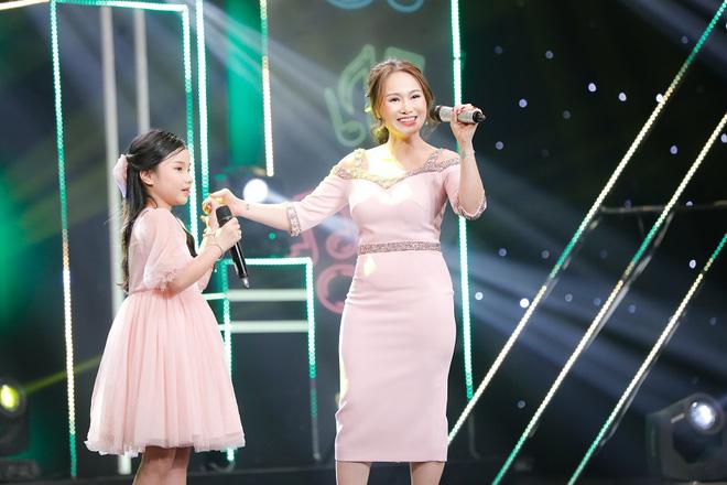 Vợ cũ MC Thành Trung và biến cố 6 năm vắng bóng sân khấu: Nếu mình có vấn đề, ai chăm con - Ảnh 1.