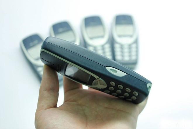 Chi 700 triệu đồng săn điện thoại bán chạy nhất thời đại, được nhiều người Việt dùng - Ảnh 10.