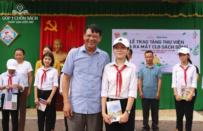 Trao tặng sách trên quê hương danh nhân văn hóa Vũ Diệm - Ảnh 20.