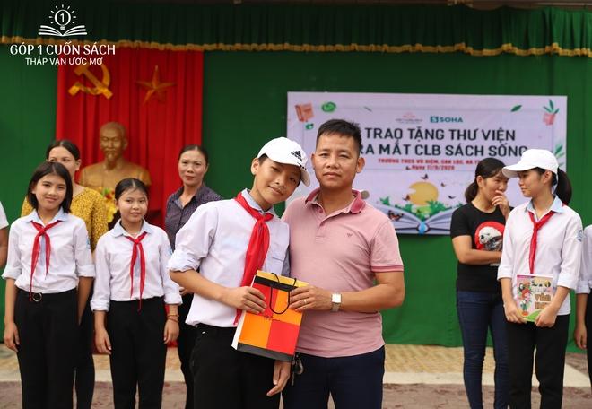 Trao tặng sách trên quê hương danh nhân văn hóa Vũ Diệm - Ảnh 19.