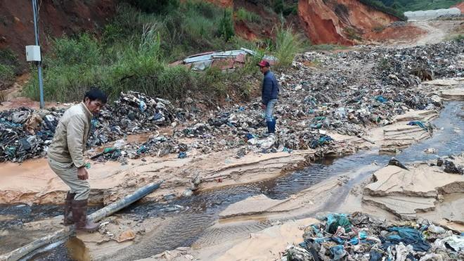 Chi 48 tỷ đồng đóng cửa bãi rác gây ô nhiễm kinh hoàng - Ảnh 1.