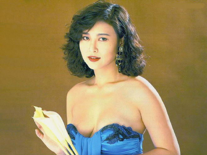 Con gái biểu tượng gợi cảm Hong Kong: Sống xa hoa, giàu có vẫn mắc chứng trầm cảm - Ảnh 9.