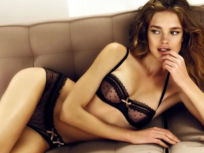 Một đời chồng và 3 lần sinh nở, siêu mẫu Nga vẫn cưa đổ con trai tỷ phú Louis Vuitton - Ảnh 3.