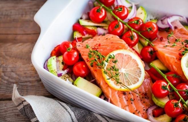 Chế độ ăn giúp bạn giảm cân, giảm mỡ bụng và bảo vệ tim mạch - Ảnh 1.