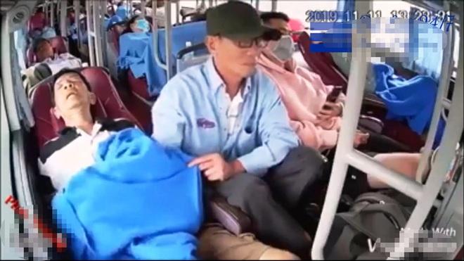 Điều tra nghi án cướp bằng thuốc ngủ trên xe khách - Ảnh 1.