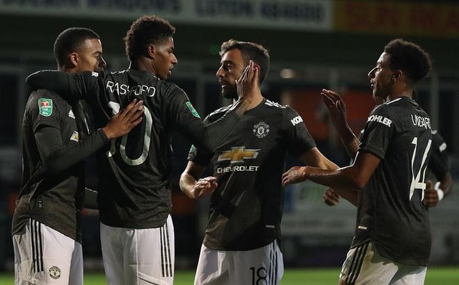 """""""Chết hụt"""" trước đội hạng dưới, Man United chứng minh lời mắng của huyền thoại là chính xác"""