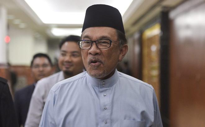 Chính trị gia đối lập Malaysia bất ngờ tuyên bố sắp lên thay thủ tướng