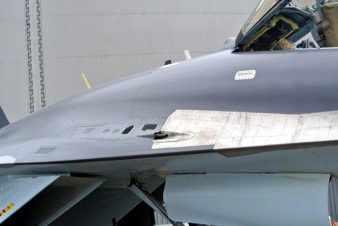 Su-35 nhận lệnh xuất kích khẩn cấp, vô tình bắn rơi Su-30: Vì đâu nên nỗi? - Ảnh 1.