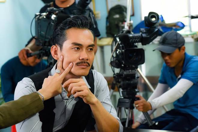 Diễn viên Lê Vinh: Từng đi bán kem kiếm sống, bị liệt chân, 40 tuổi vẫn độc thân - Ảnh 3.