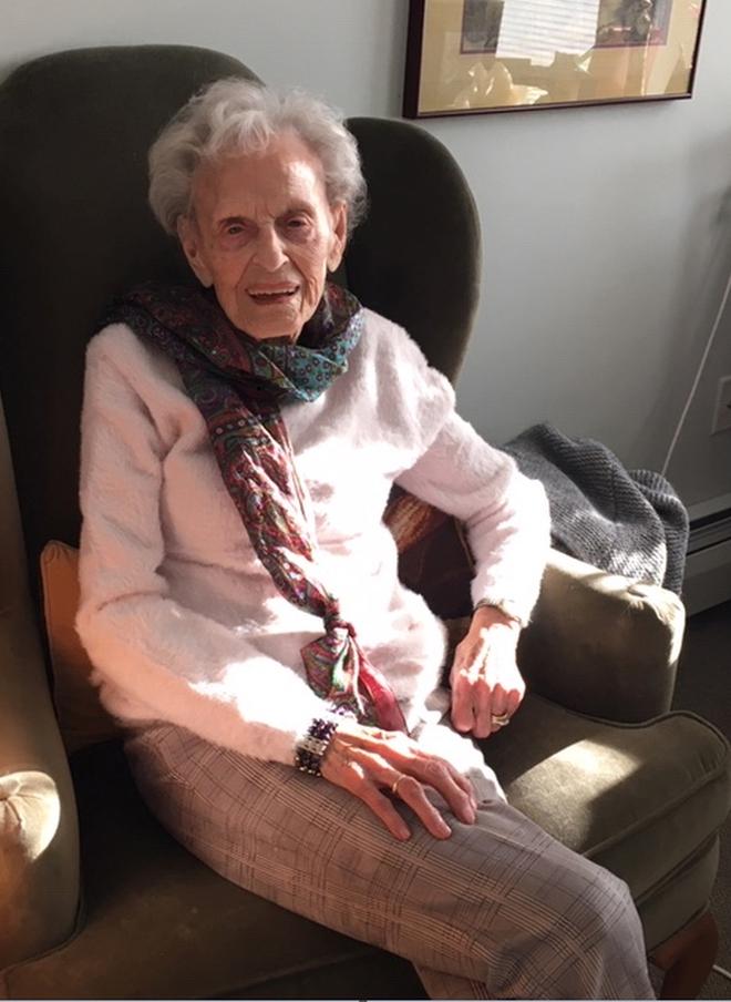 Cụ bà 102 tuổi qua khỏi 2 đại dịch, 2 bệnh ung thư: Bí quyết nằm ở lối sống! - Ảnh 1.