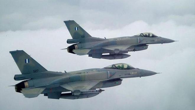 Chốt xong đơn hàng F-35 với Mỹ, UAE sẽ chuyển F-16 đến tay kẻ thù truyền kiếp của Thổ? - Ảnh 2.