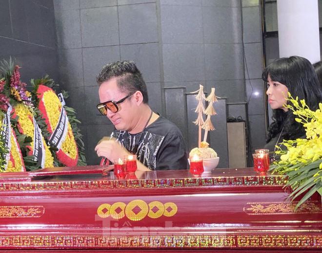 Nghẹn ngào tiễn đưa nhạc sĩ Phó Đức Phương về 'đỉnh Phù Vân' - Ảnh 6.