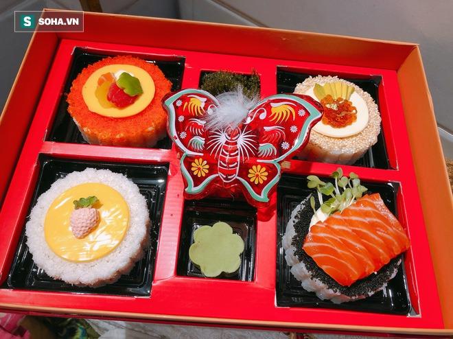 Tạo ra bánh trung thu nhân sushi chưa từng có, cô gái 9X chỉ nhận làm 5 hộp/ngày mặc doanh thu có thể hơn 100 triệu đồng - Ảnh 2.