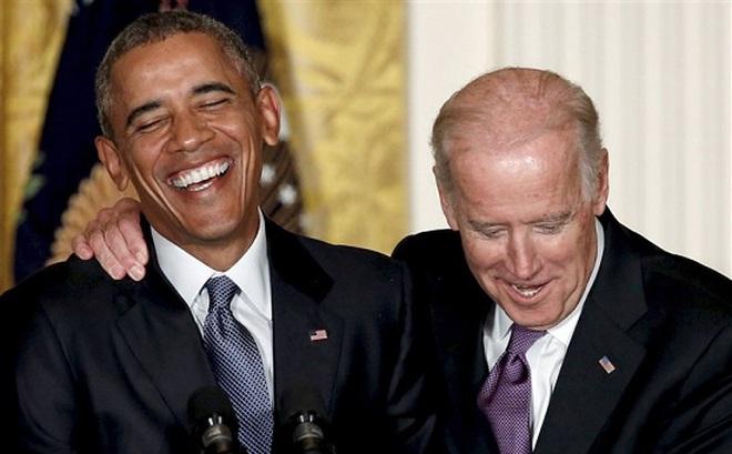 """Cựu Tổng thống Mỹ Obama công khai số điện thoại để """"kéo"""" phiếu bầu cho ông Biden"""